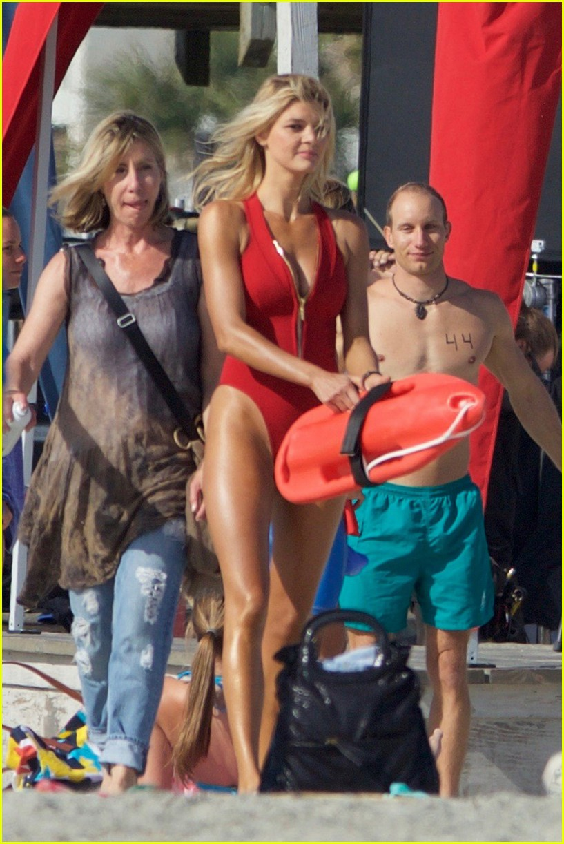 kelly rohrbach sings on set baywatch 213635596