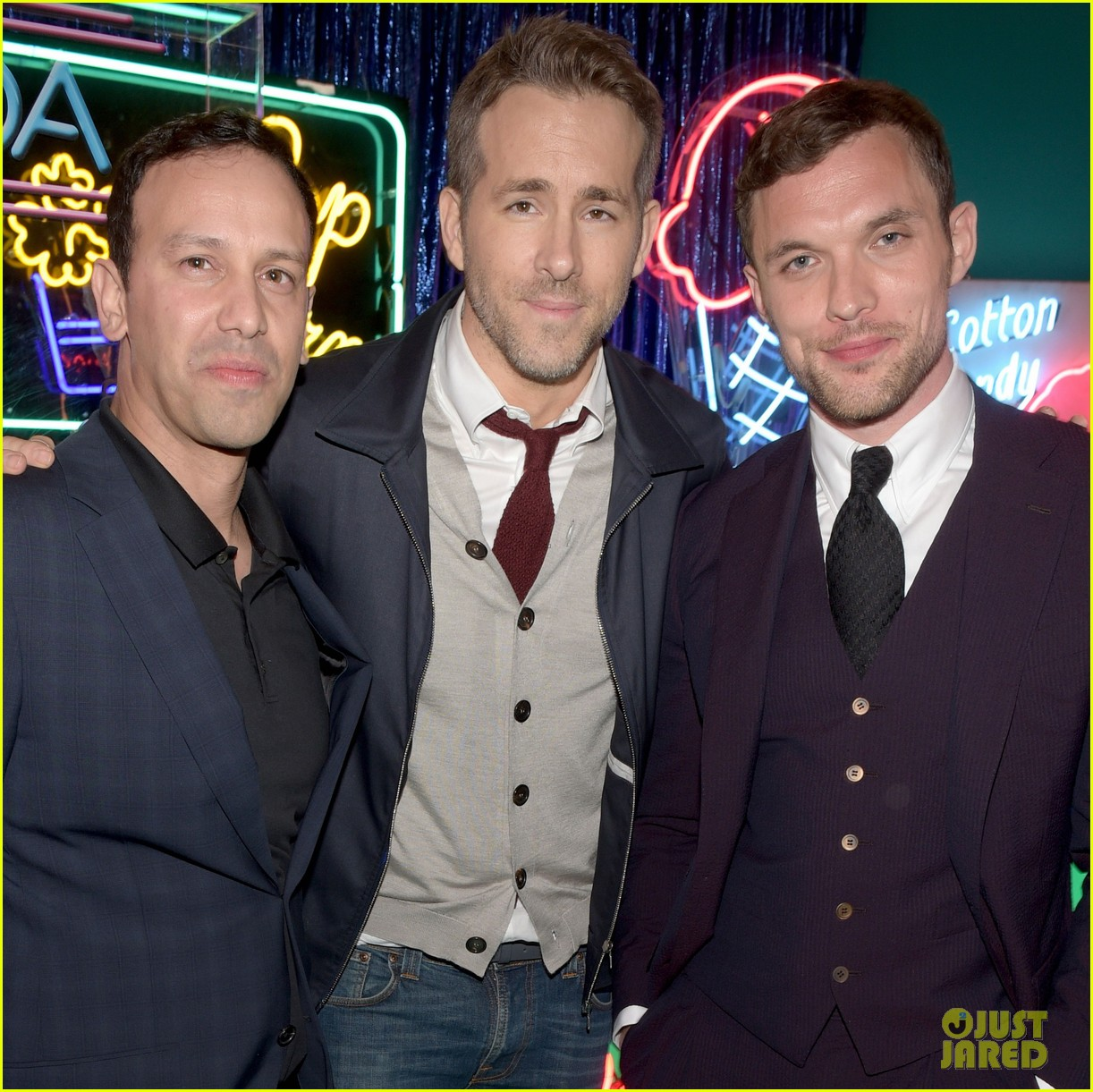 ryan reynolds 2016 mtv movie awards 013627444