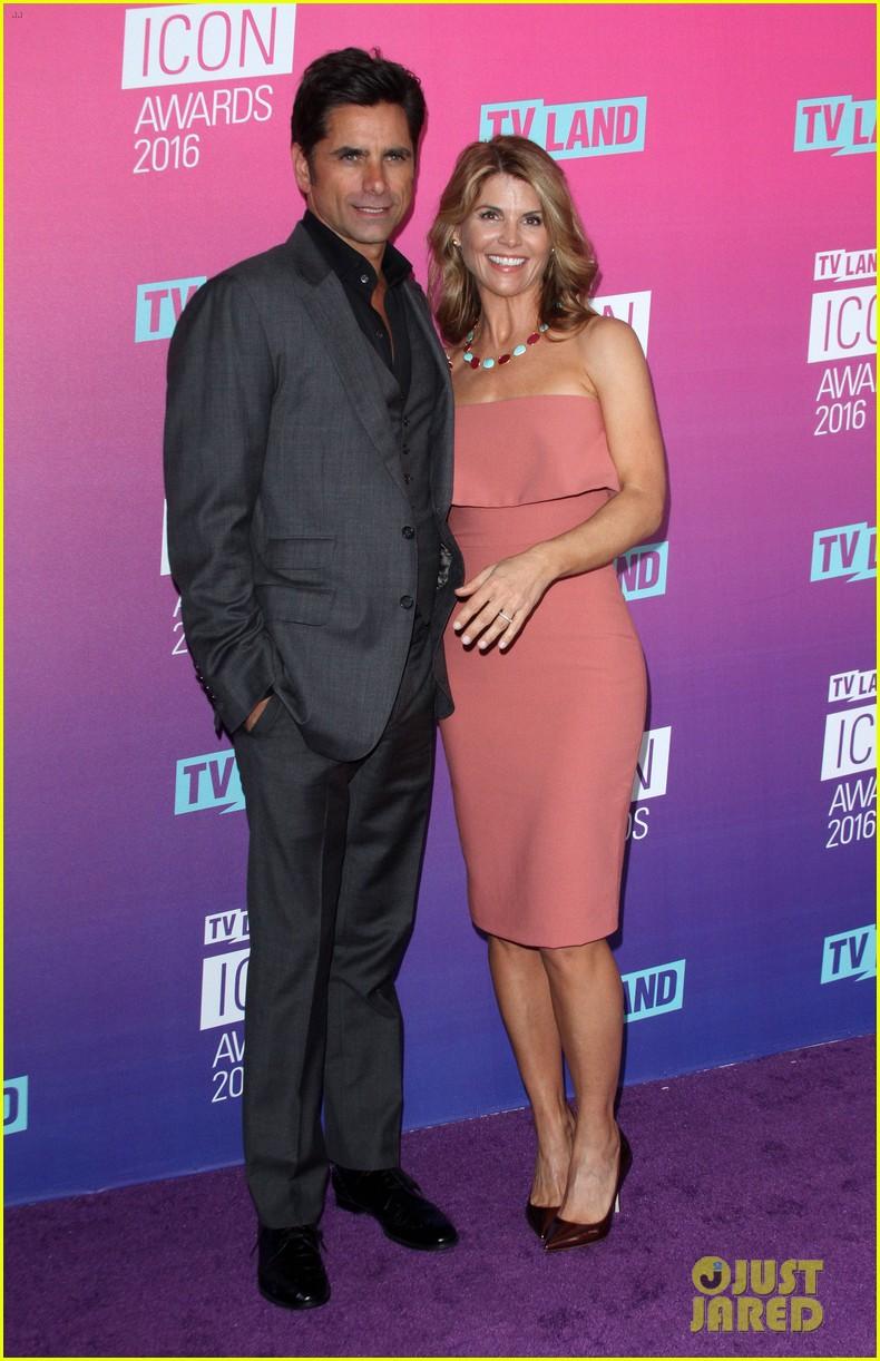 john stamos gets honored at tv land icon awards 2016 383627780