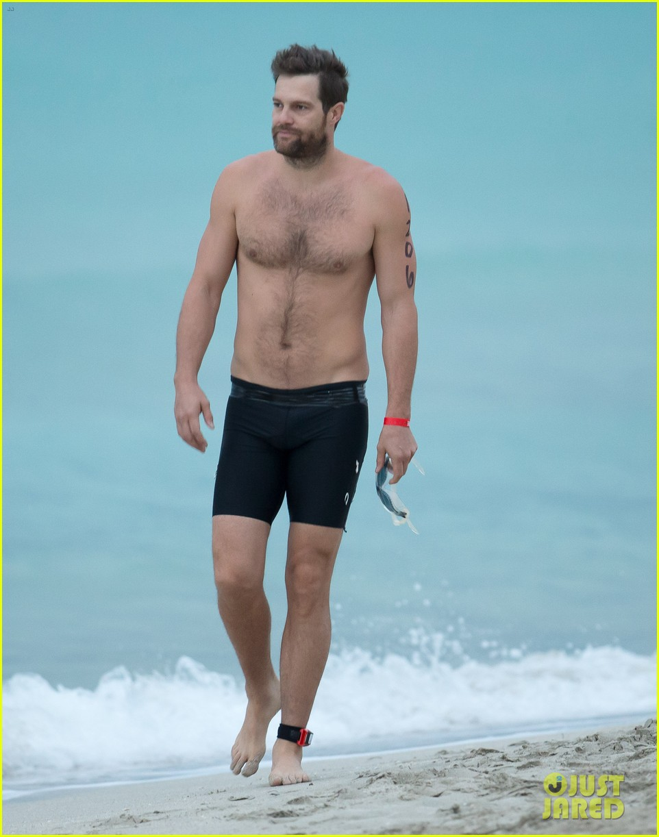 geoff stults amp parker young show off hot bods for a