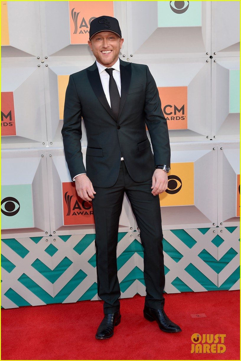 Cole Swindell & Chris Young Walk ACM Awards 2016 Red ...