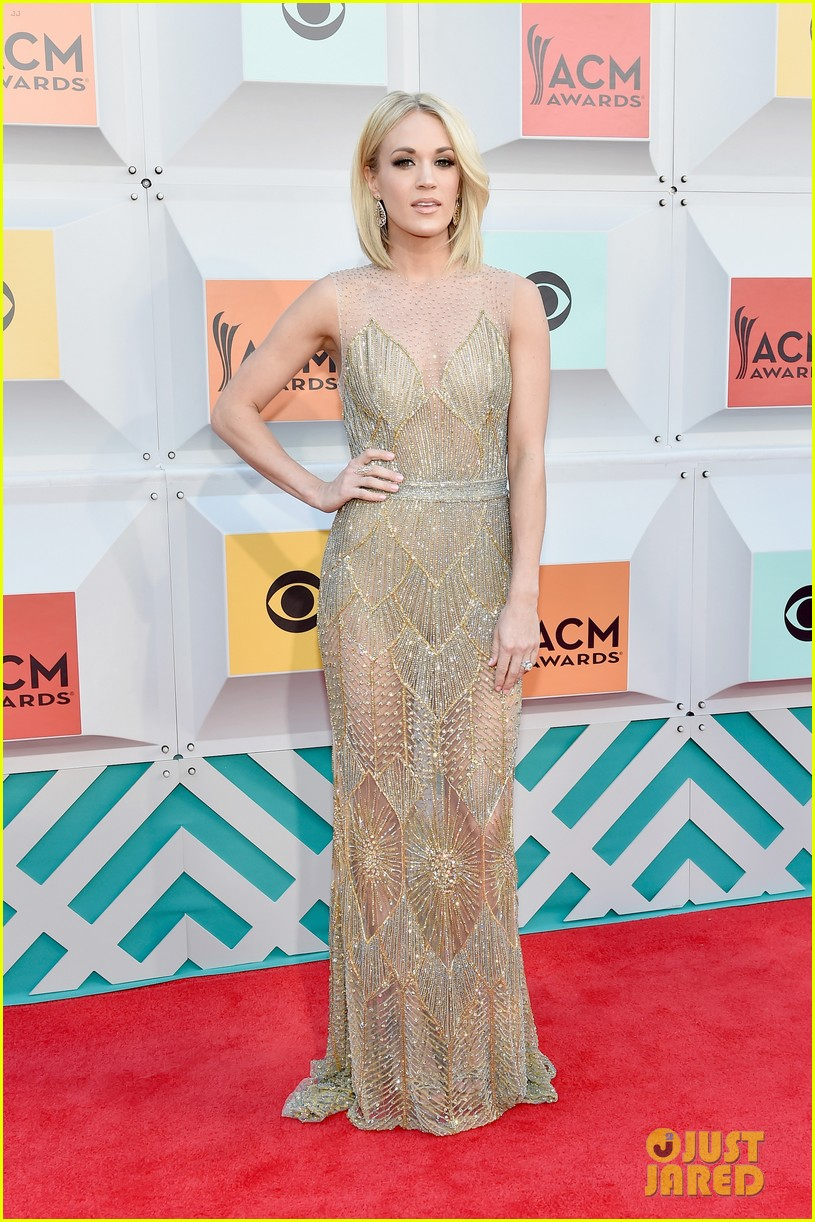 Carrie Underwood Acm Awards  Red Carpet