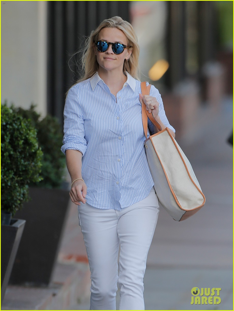 reese witherspoon tinker bell movie confirmed by disney 023640023