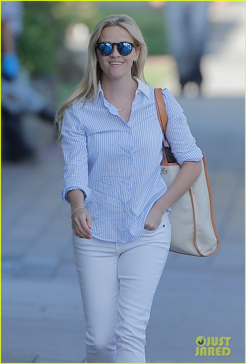 reese witherspoon tinker bell movie confirmed by disney 043640025
