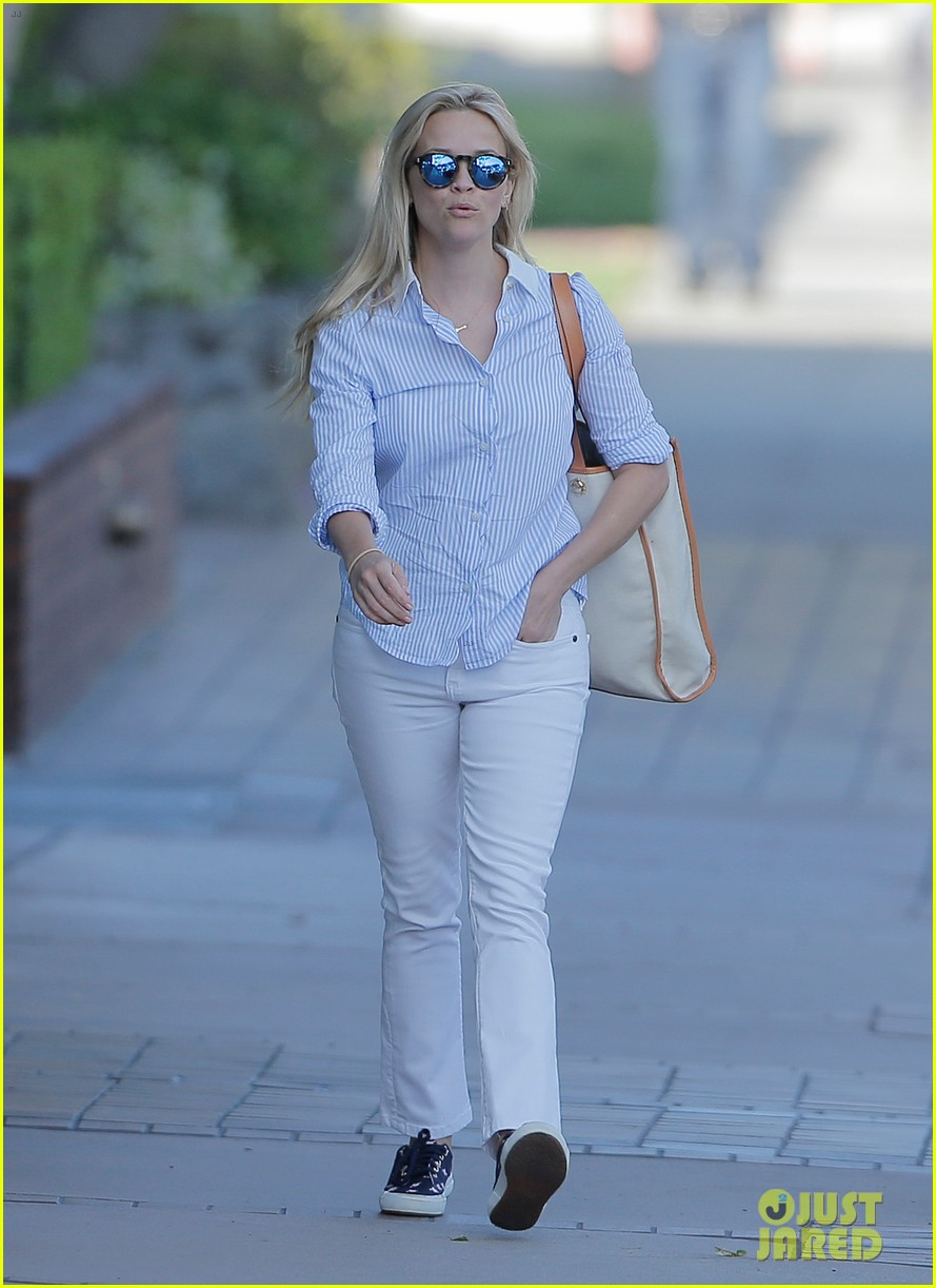 reese witherspoon tinker bell movie confirmed by disney 083640029
