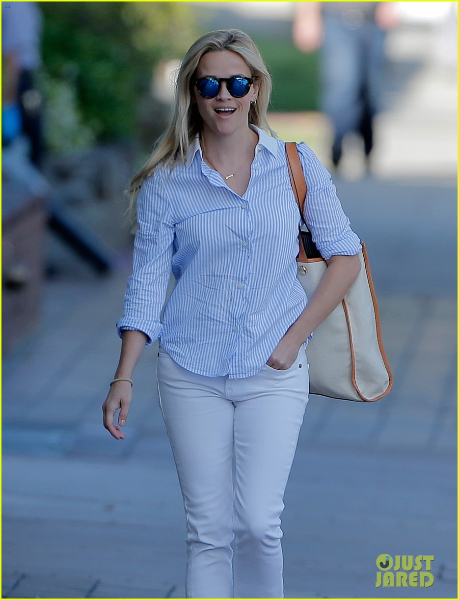 reese witherspoon tinker bell movie confirmed by disney 093640030
