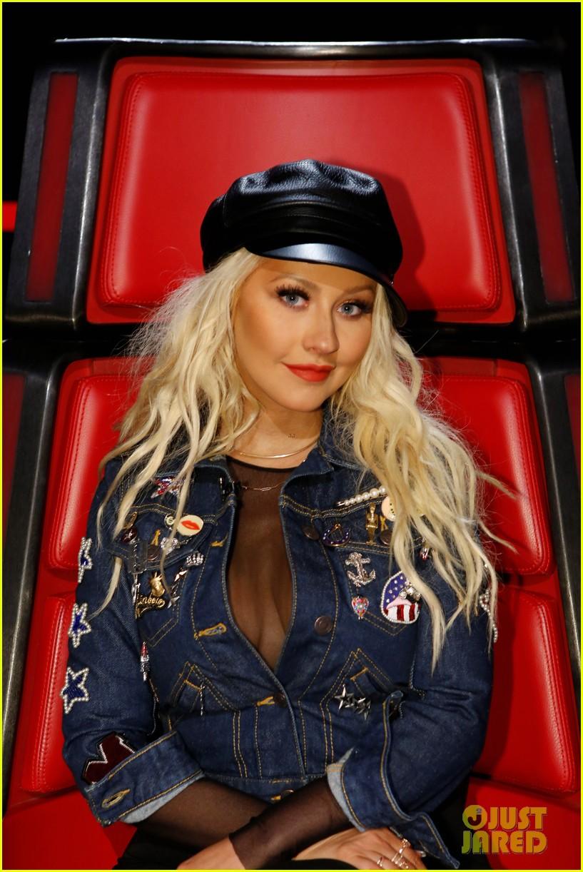 Christina Aguilera Rocks Purple Pierced Hair On The Voice