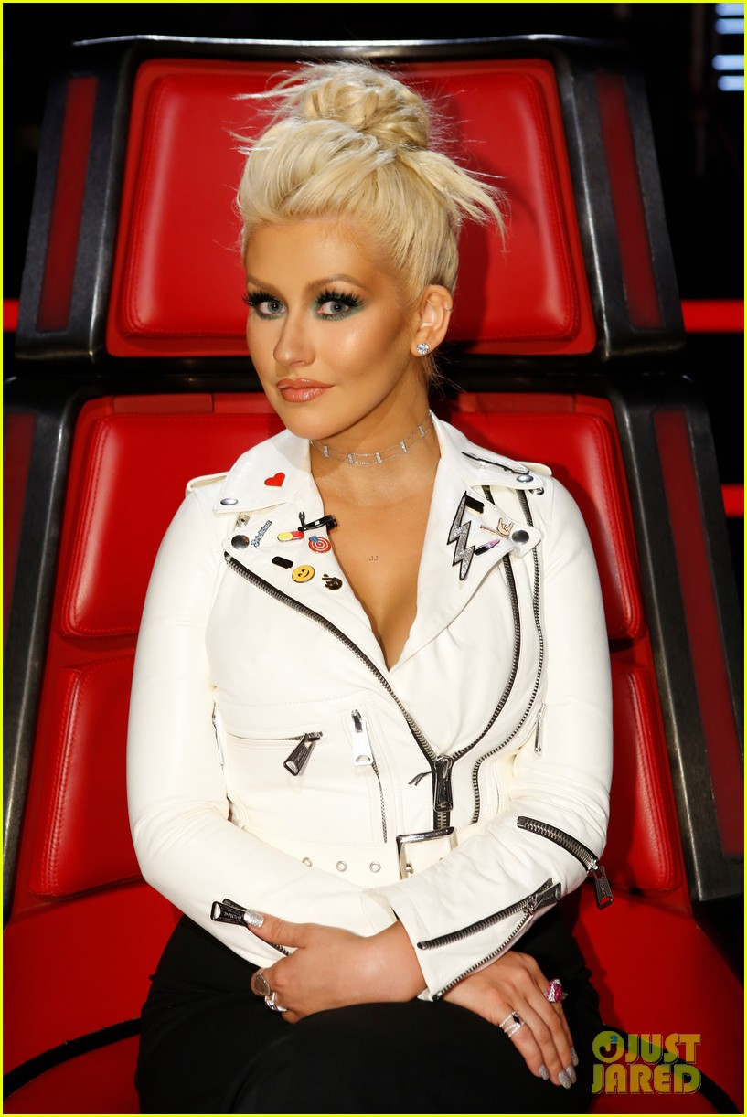 Watch Christina Aguilera Just Dyed Her Hair Very, VeryRed video