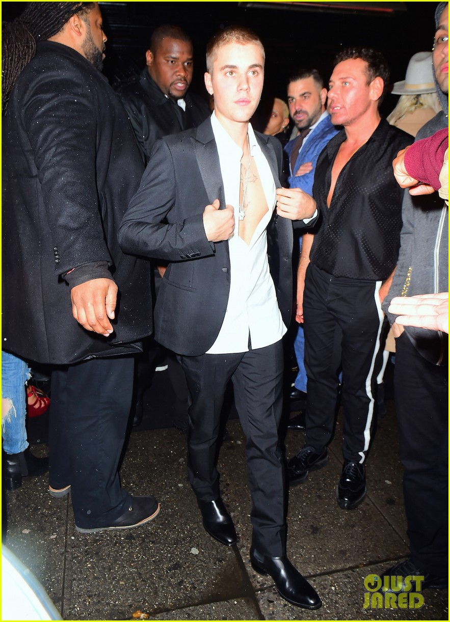 justin bieber shows off chest at met gala 2016 after party 023646926