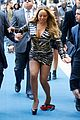 mariah carey loses a shoe on nbc upfront carpet 01