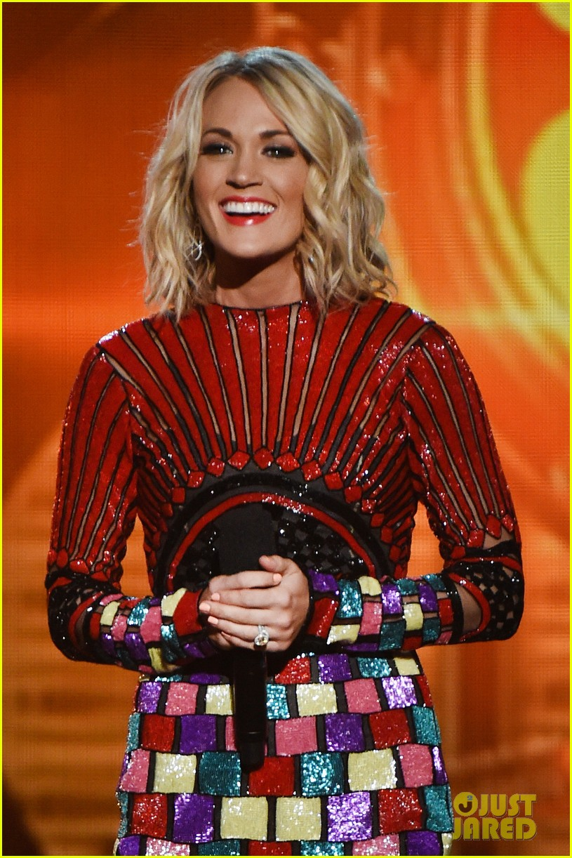 carrie underwood accas 2016 performance video 043645156
