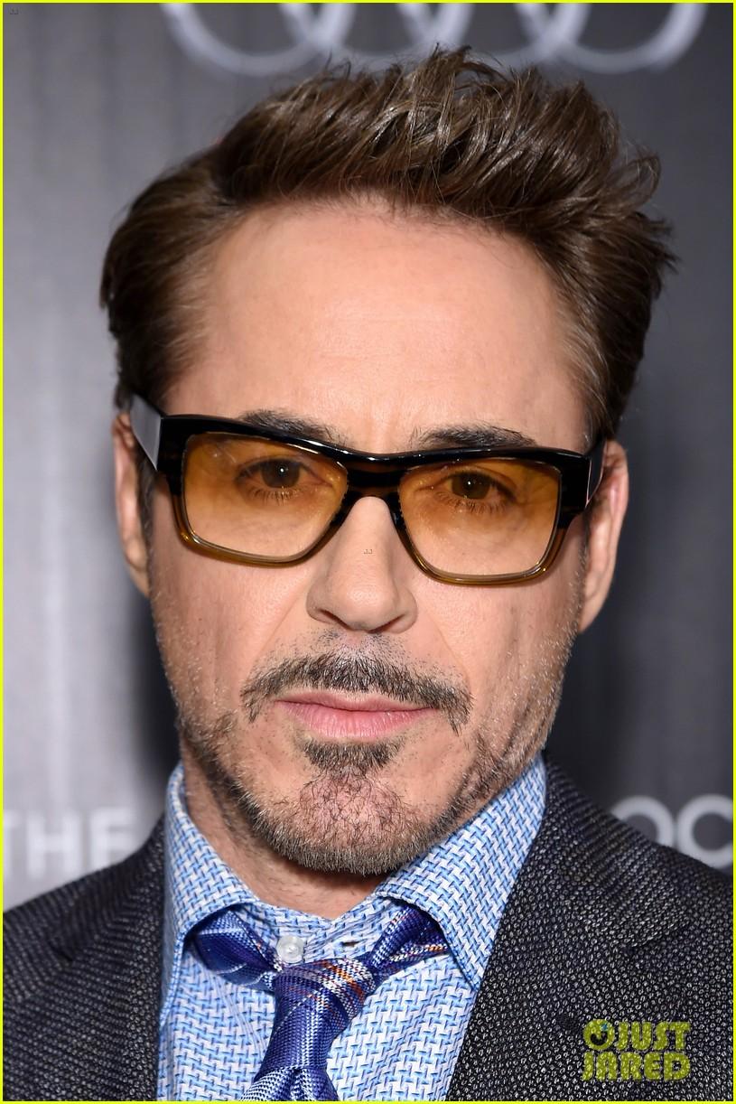 5f137c80a5 Chris Evans   Robert Downey Jr. Screen  Captain America  Civil War  in NYC