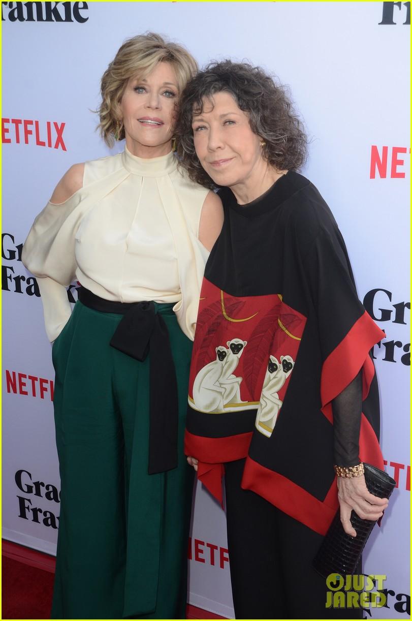 Jane Fonda Amp Lily Tomlin Team Up At Grace Amp Frankie