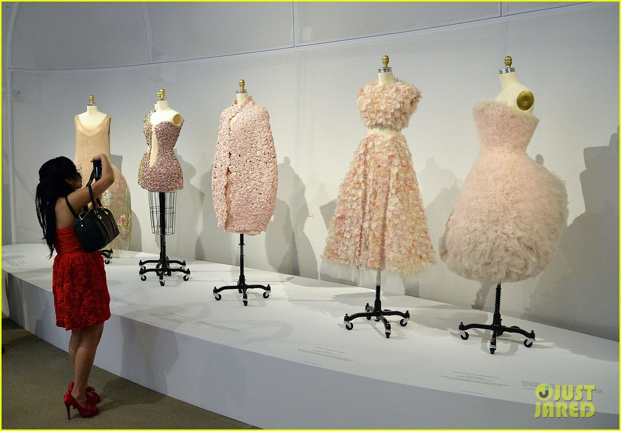 Met Gala 2016 - Look Inside at the Costume Exhibit! & Met Gala 2016 - Look Inside at the Costume Exhibit!: Photo 3645848 ...