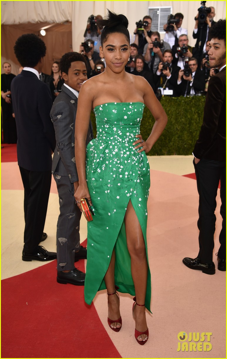 netflix the get down cast makes a stylish met gala debut 103646660