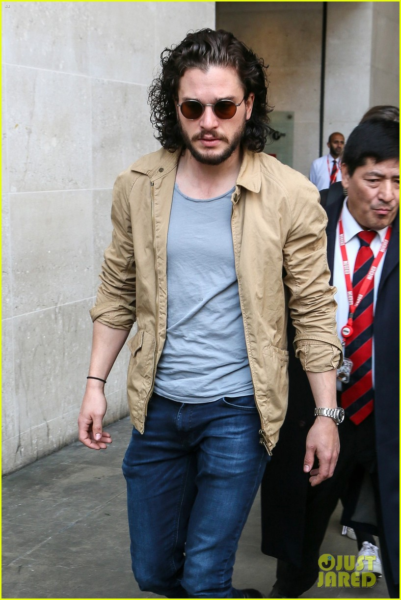 kit harington gets a phone call from game of thrones co star kit harington gets a phone call from game of thrones co star during radio interview