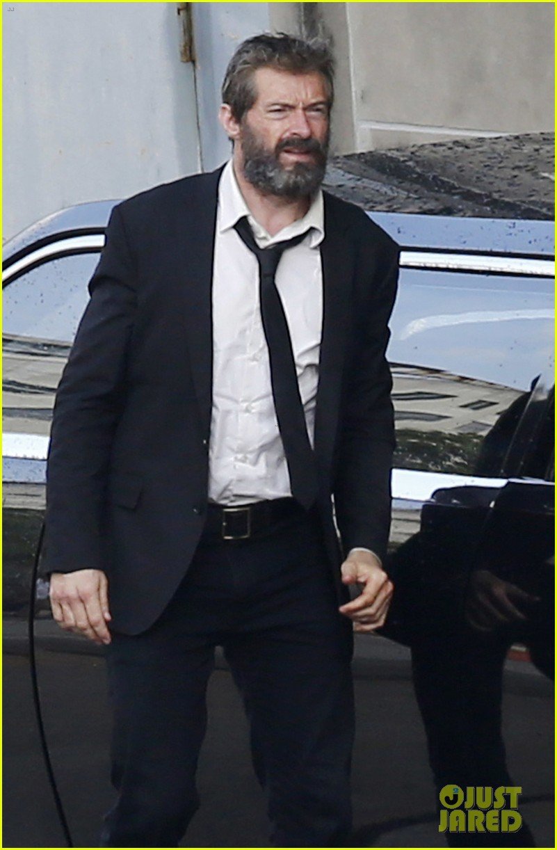 http://cdn01.cdn.justjared.com/wp-content/uploads/2016/05/jackman-firstwolv/hugh-jackman-beard-wolverine-3-set-photos-04.jpg