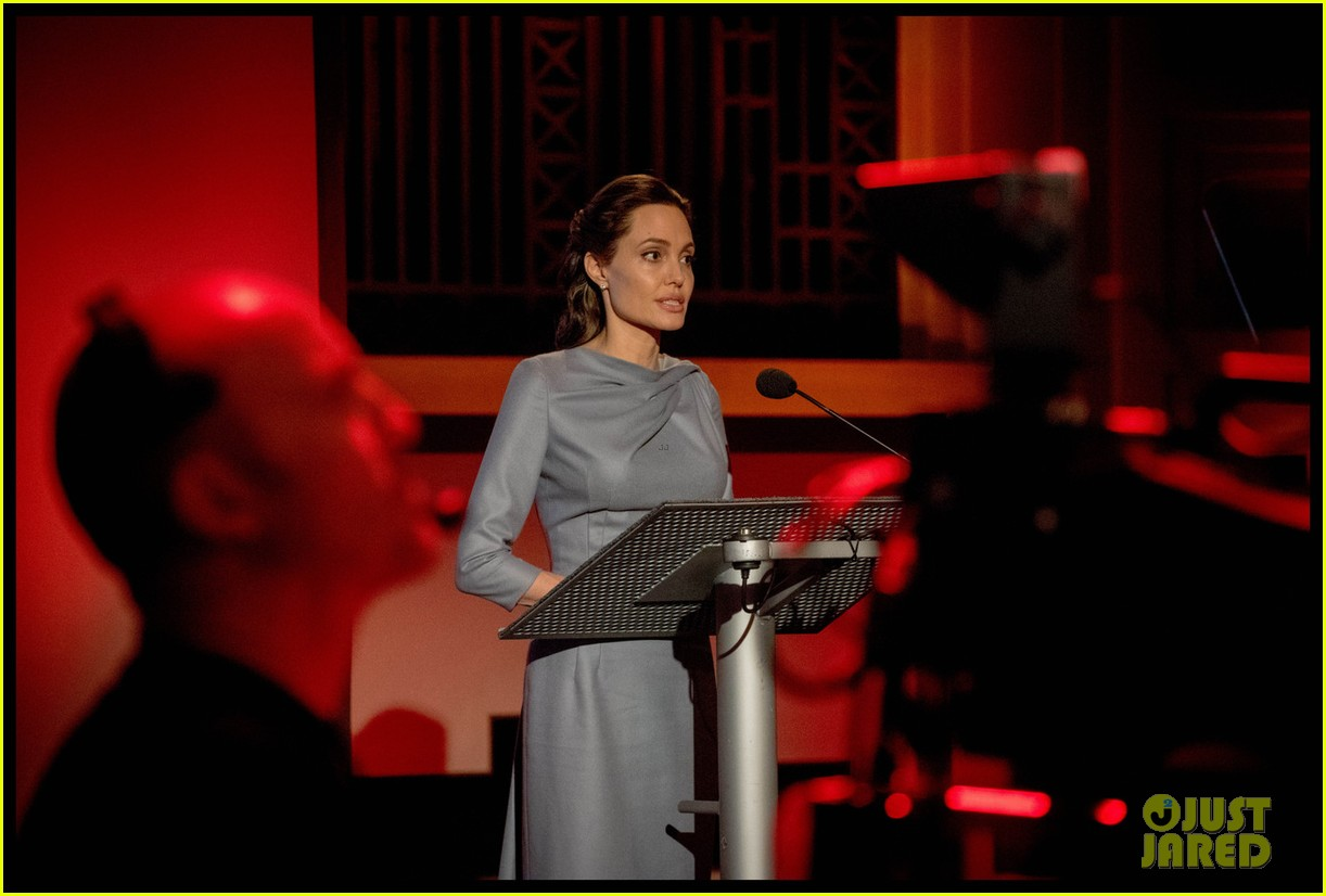 angelina jolie speech essay This week, angelina jolie travelled to the refugee camps of nothern iraq to visit  syrian victims of the conflict, displaced from their homes by.
