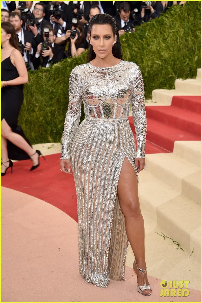 Kim Kardashian Red Dress 2016