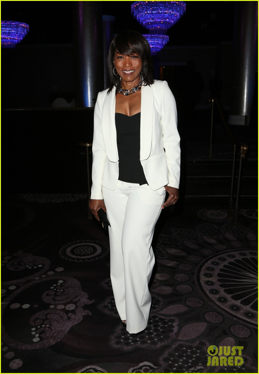 ludacris brandy hit the stage at entertainment lawyer of the year awards 133659411