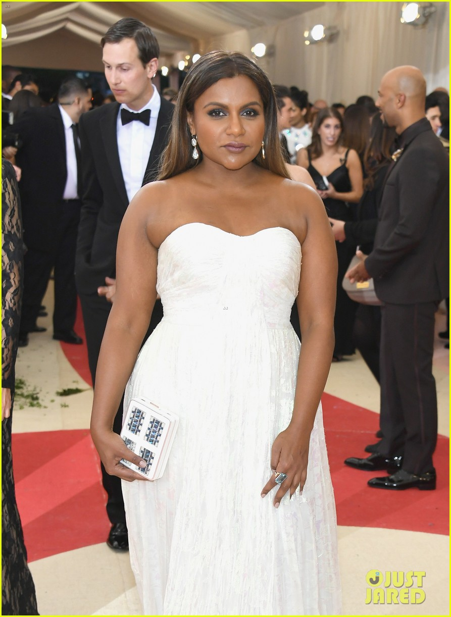 Mindy Kaling Aziz Ansari Dress To Impress At Met Gala 2016 Photo 3646536 2016 Met Gala Aziz Ansari Met Gala Mindy Kaling Pictures Just Jared