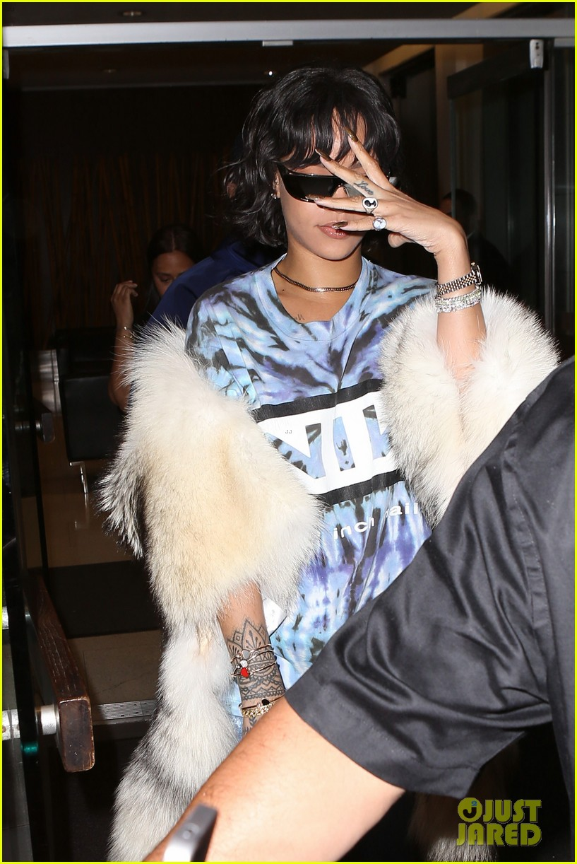 b43f2831789 Rihanna Teams Up with Dior for Sunglasses Collection  Photo 3665562 ...