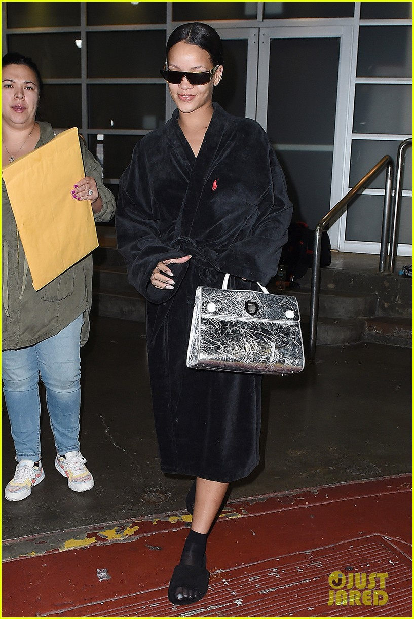 rihanna steps out in robe flip flops after a photo shoot 013667421