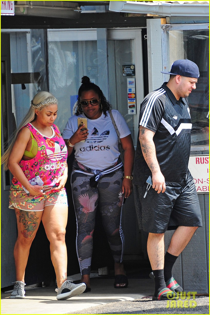 rob kardashian and blac chyna head out to lunch in miami 213655413