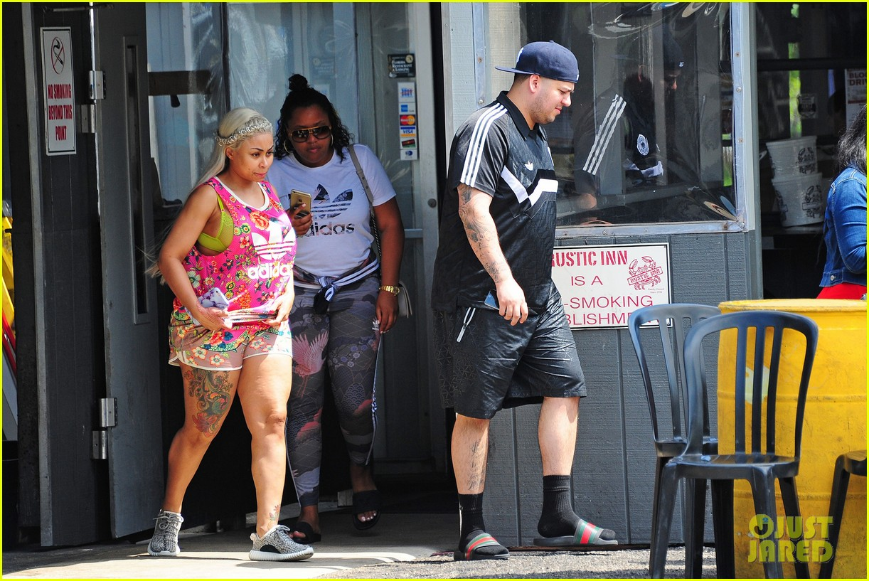 rob kardashian and blac chyna head out to lunch in miami 233655415
