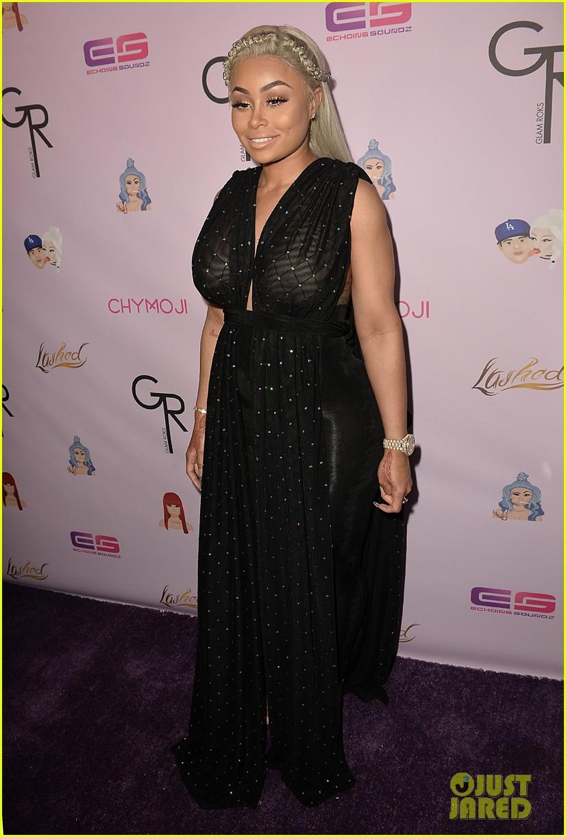 rob kardashian pregnant blac chyna make red carpet appearance 093652269