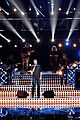 blake shelton performs new song on the voice finale 05