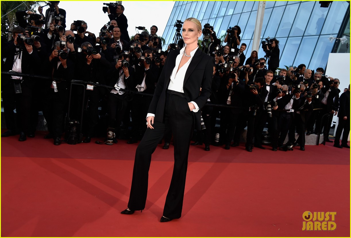 charlize theron reunites with sean penn his kids in cannes 083661662