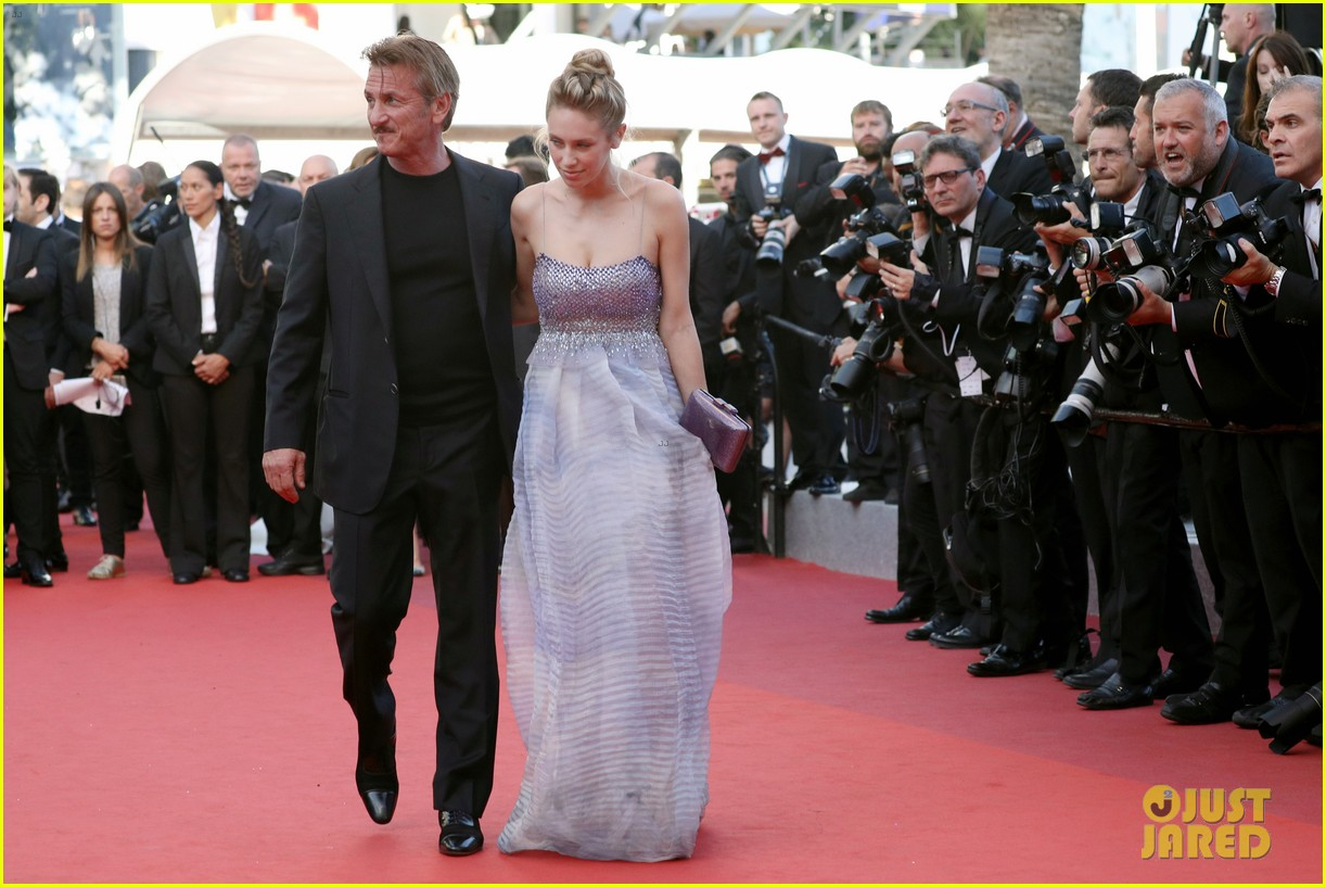 charlize theron reunites with sean penn his kids in cannes 143661668