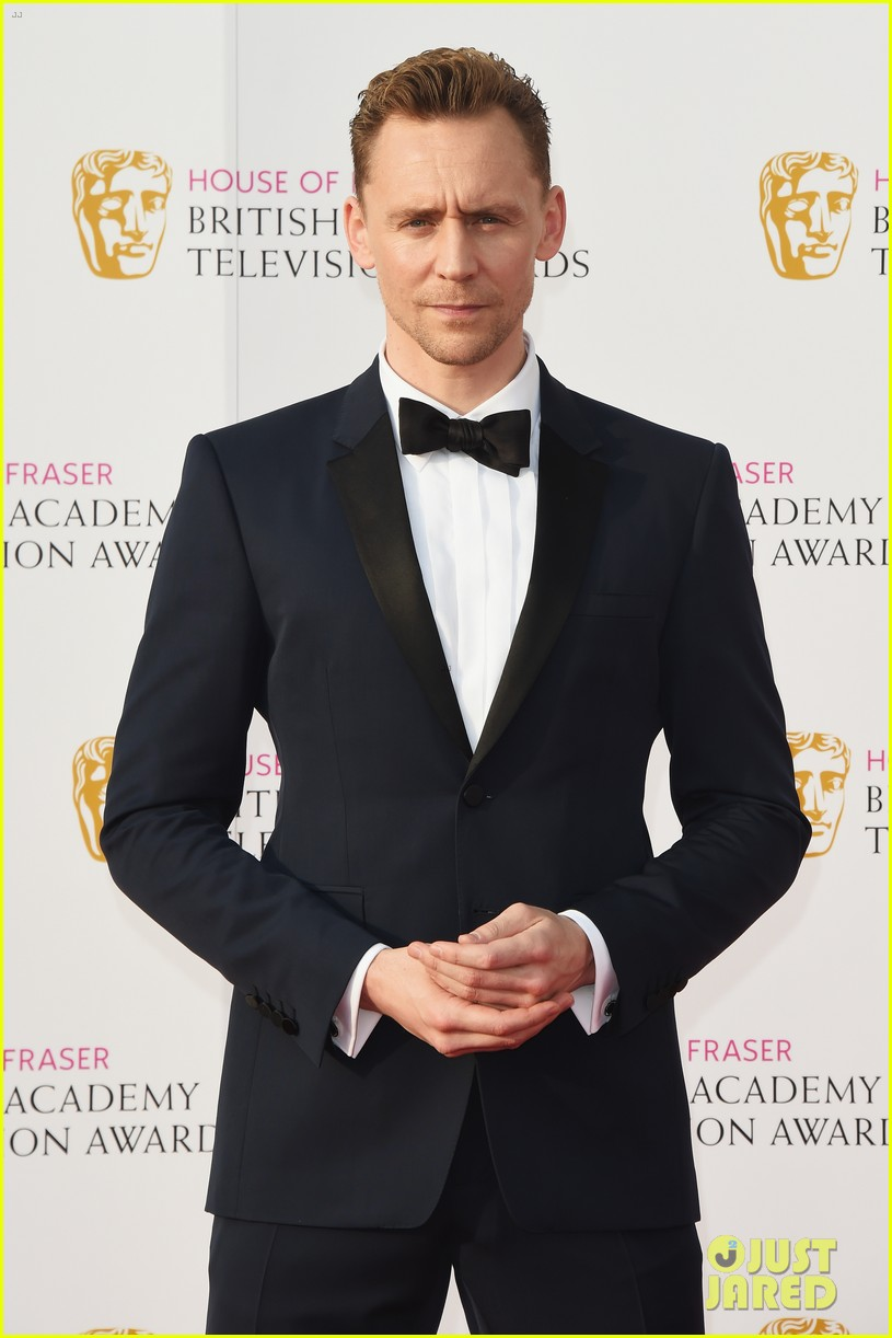 tom hiddleston idris elba bafta tv 2016 awards 013650439