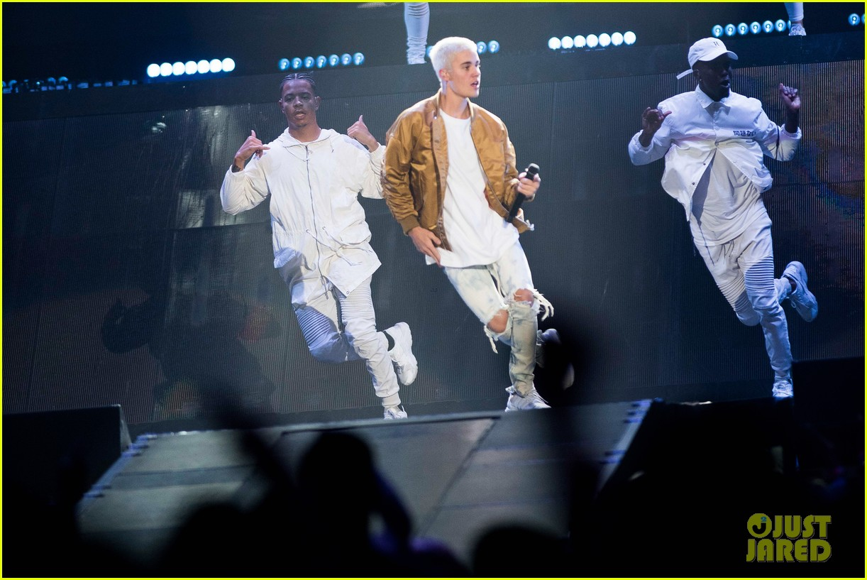 Fashion week Justin and Cleveland bieber for lady
