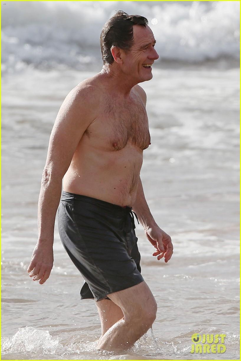 Bryan Cranston hawaii sin camisa 01