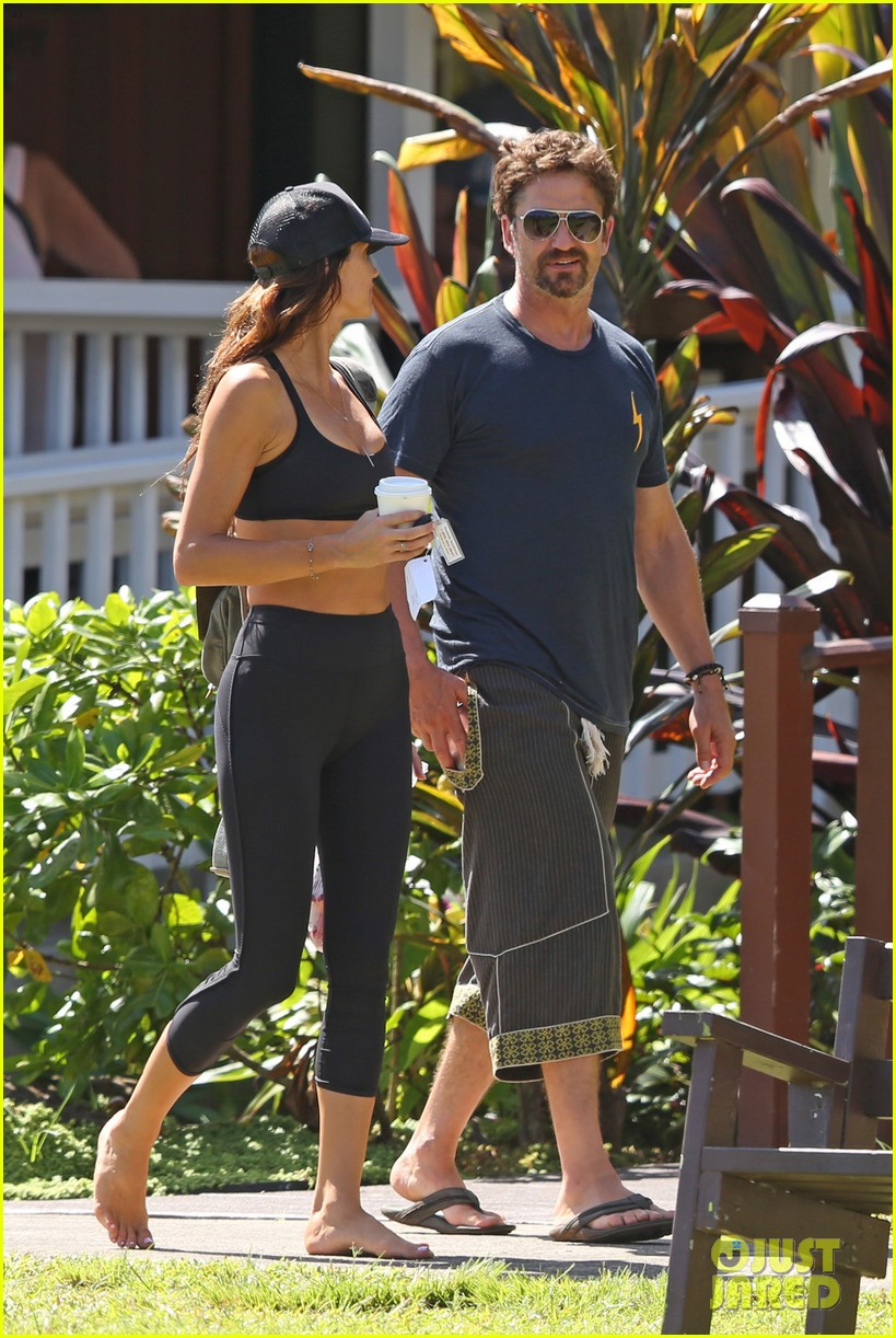 gerard butler is back home after hawaii trip with morgan brown 013672825