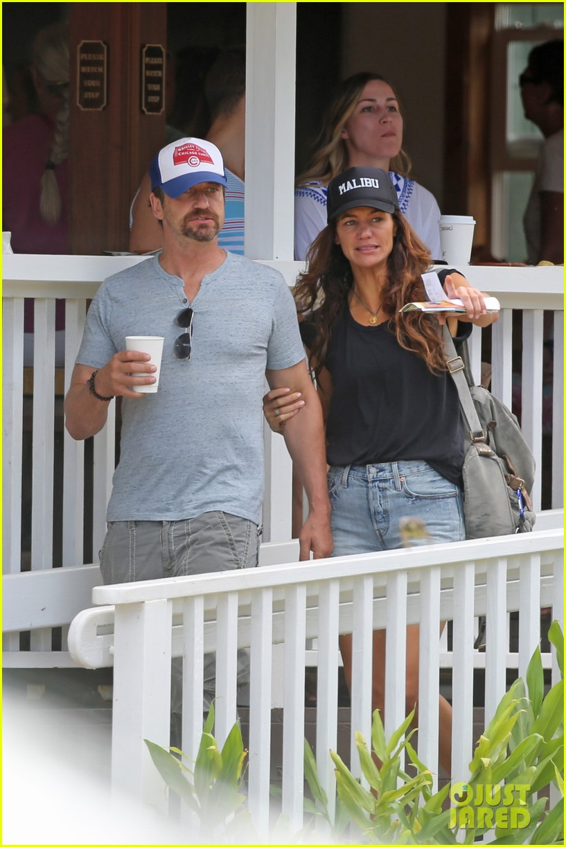 gerard butler is back home after hawaii trip with morgan brown 153672839