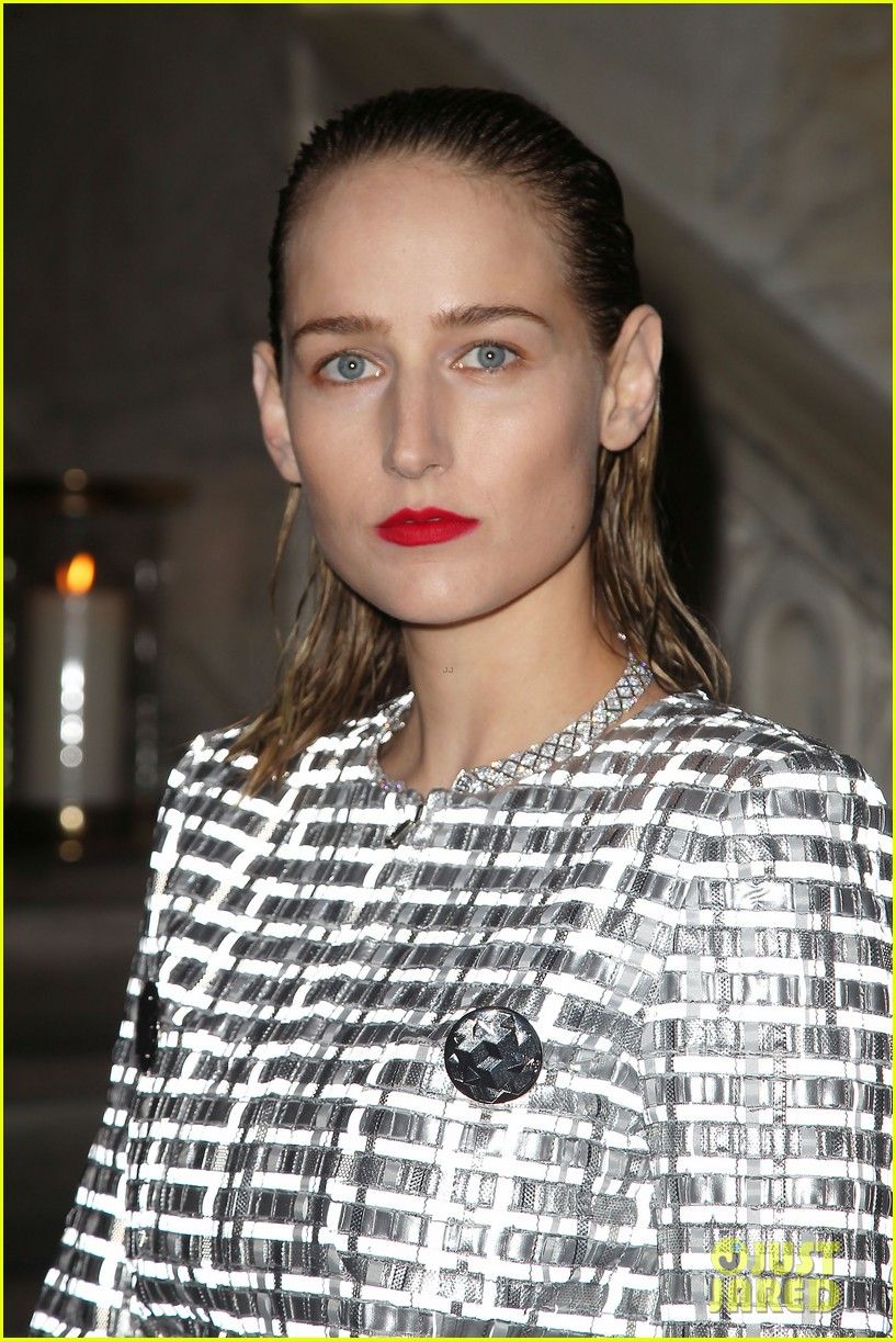 rose byrne allison williams dakota fanning chanel event 273672525