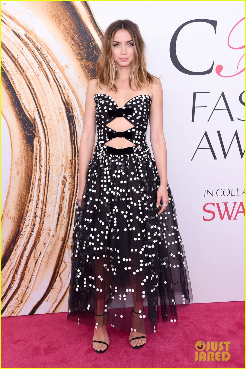 ana de armas cfda awards 2016 023676185
