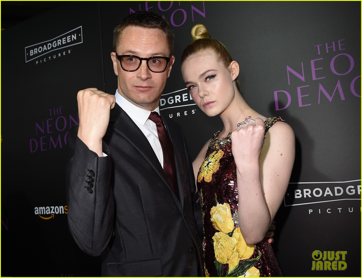 elle fanning gets support from sis dakota at neon demon premiere 183682914