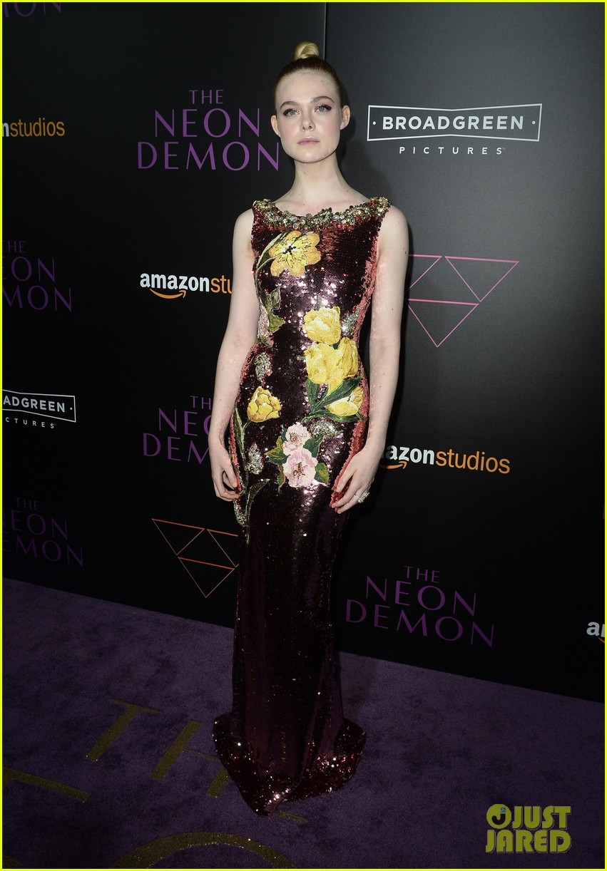 elle fanning gets support from sis dakota at neon demon premiere 273682923