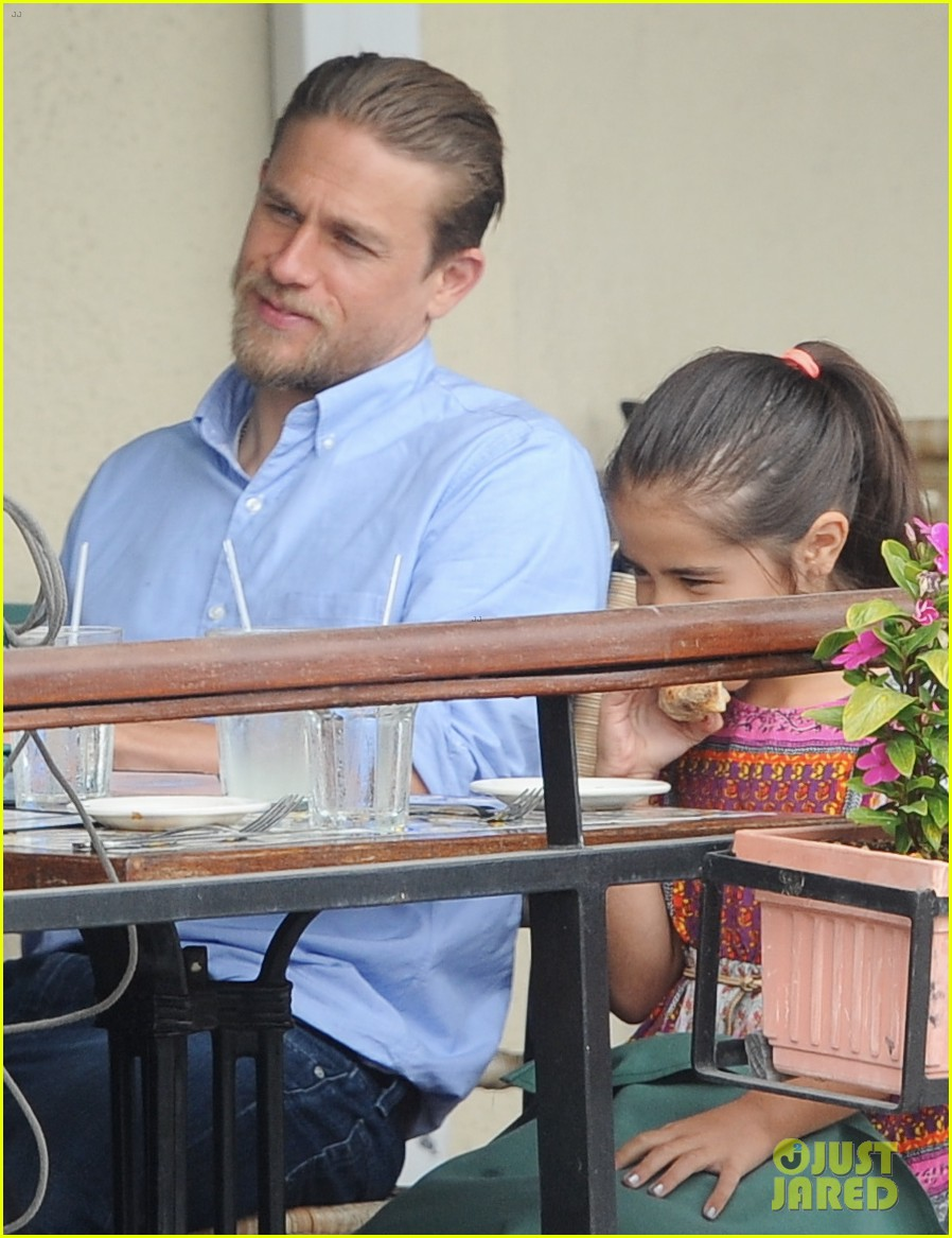 charlie hunnam hits the gym then cleans up for lunch 183678162