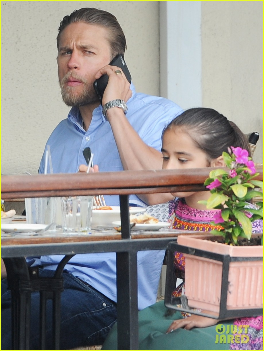 charlie hunnam hits the gym then cleans up for lunch 193678163