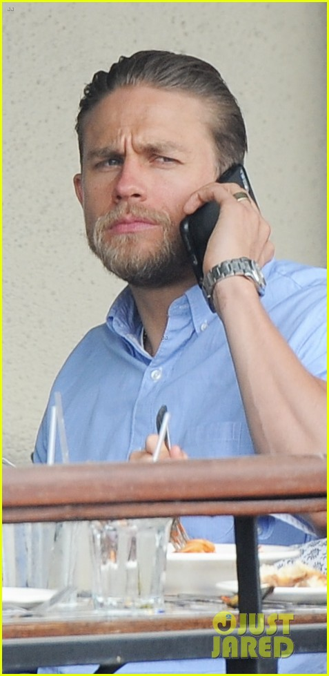 charlie hunnam hits the gym then cleans up for lunch 203678164