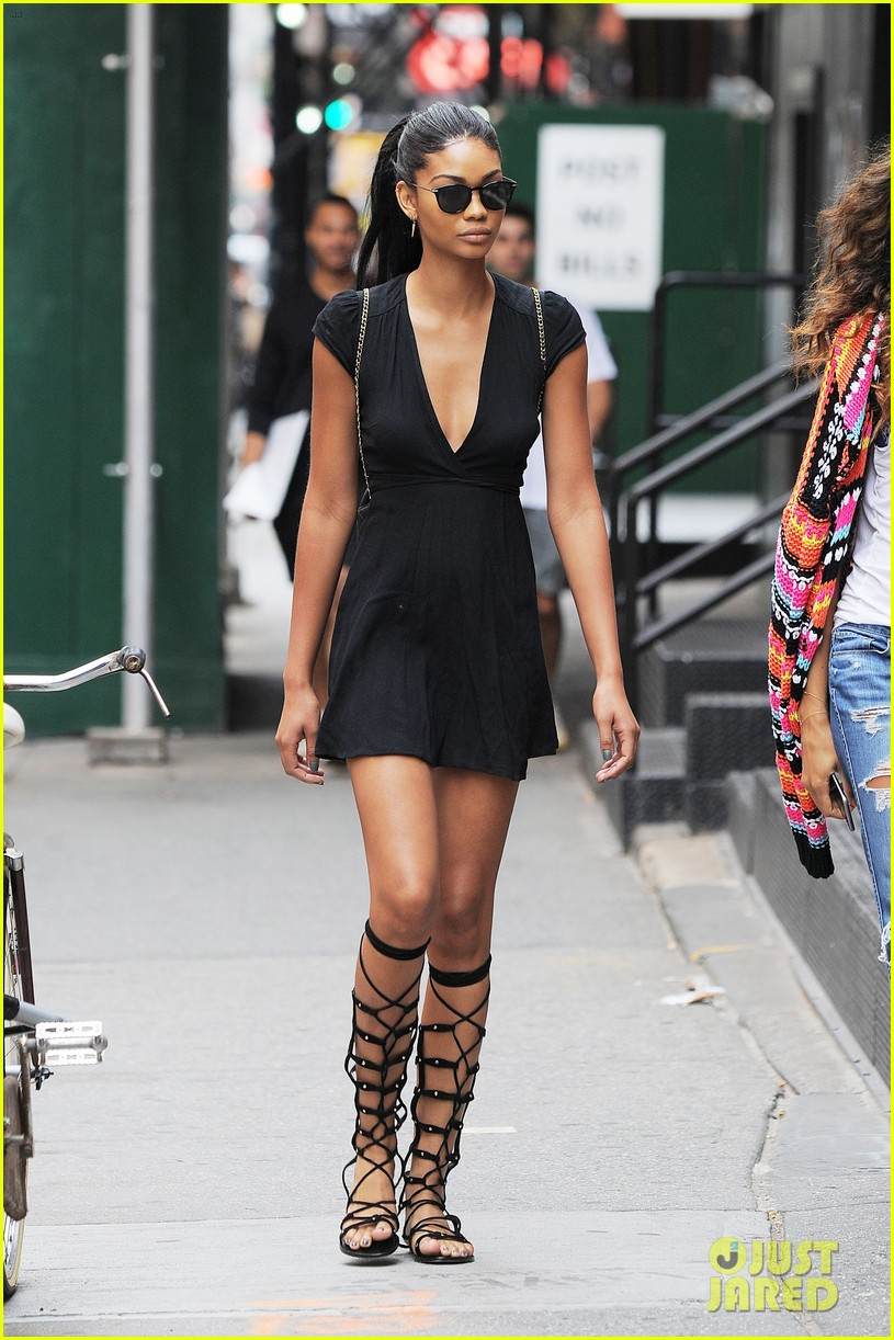 chanel iman shows off her hairstylist skills photo  chanel iman shows off her hairstylist skills photo 3694792 chanel iman pictures just jared