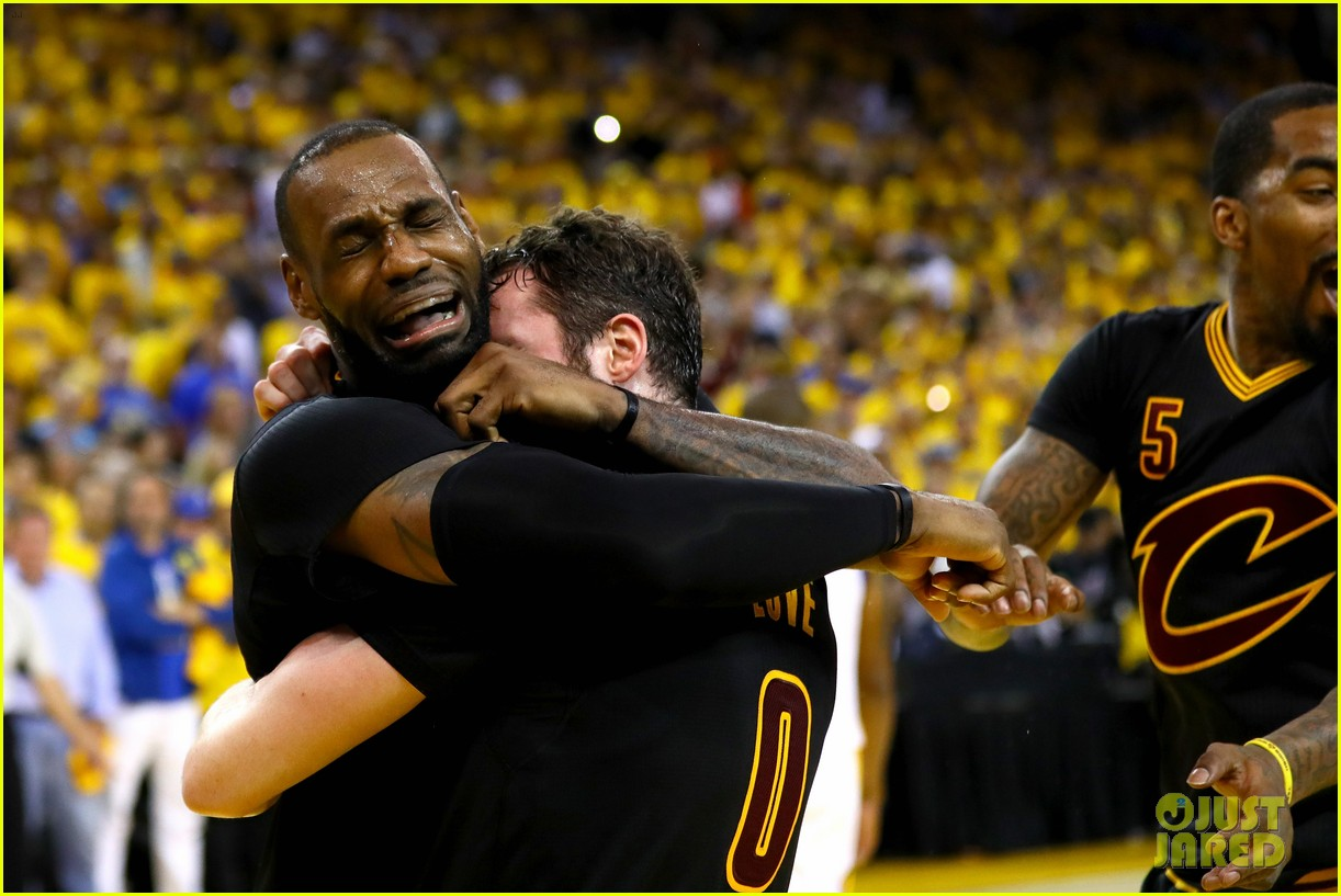 lebron james cries gets emotional after nba finals win 013686906