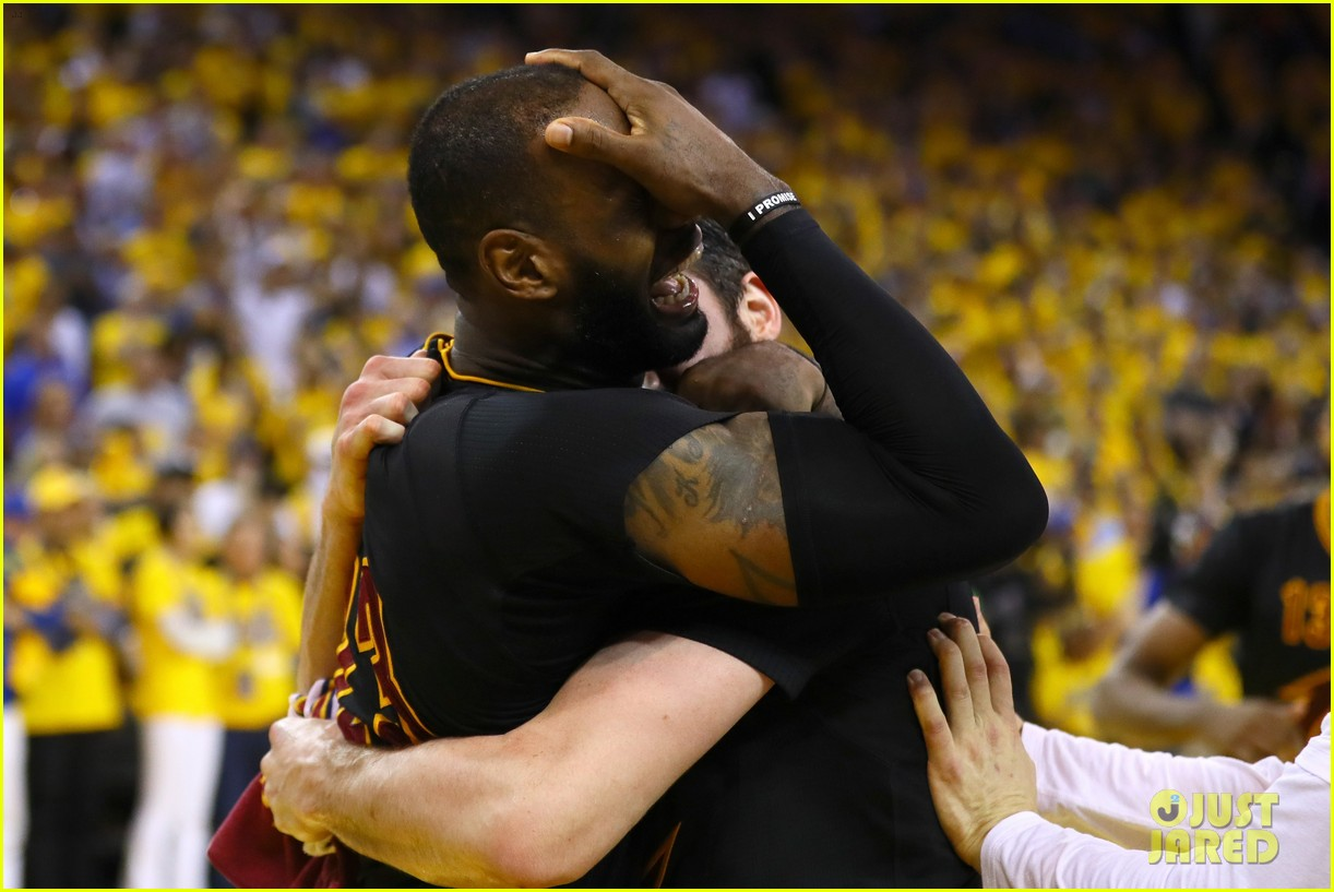 lebron james cries gets emotional after nba finals win 033686908