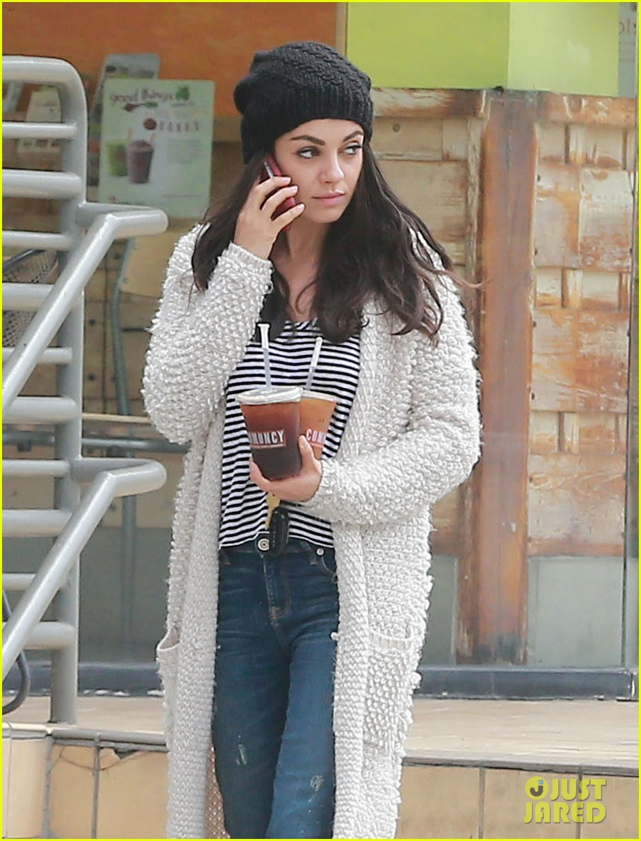 mila kunis grabs coffee for two 163670797
