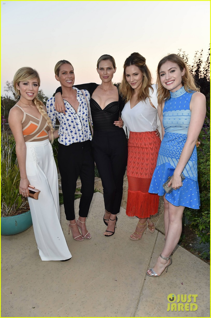 evan peters skyler samuels just jared vintage grocers malibu dinner 223693148
